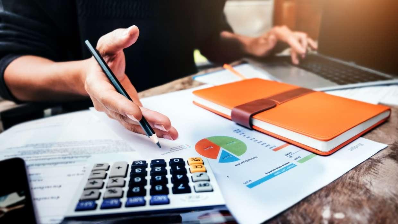 استخدام یک مشاور مالیاتی برای مشاغل کوچک